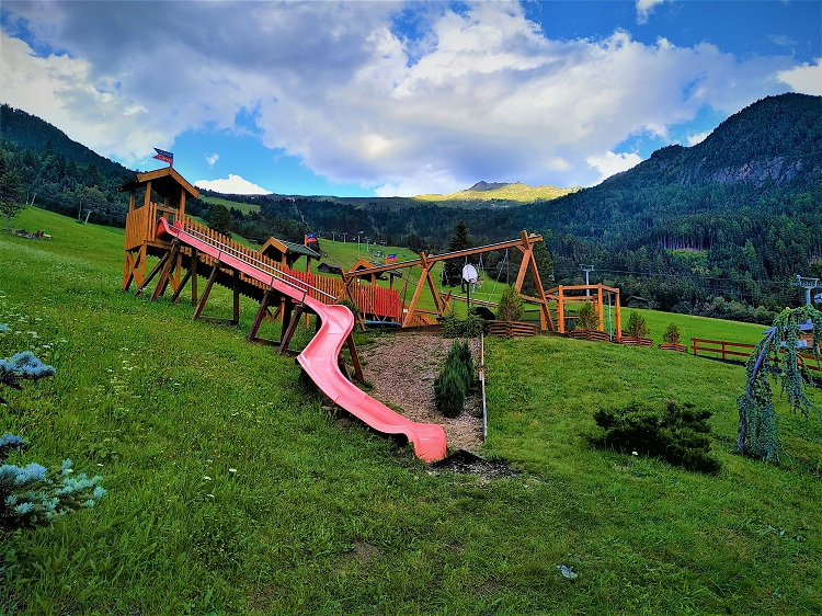 Spielplatz am Hotel Alpen-Royal