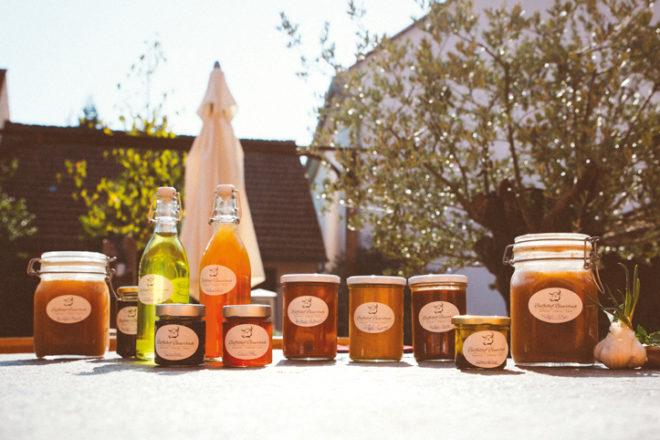 Produkte in Gläsern vom Büffelhof