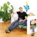 Schreinermeister Rettenmeier mit seinen Kindern