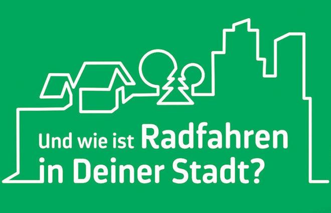 Stadtsilhouette als weiße Linie auf grünem Hintergrund