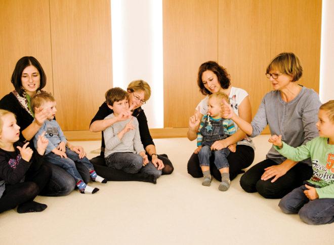 Eine Eltern-Kind-Gruppe der KDFB