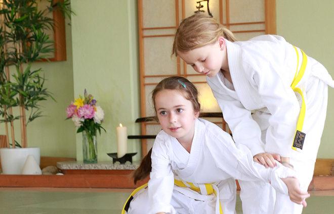 Zwei Aikido-Mädchen