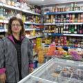 Taherek Bock mit ihrem Supermarkt Pars