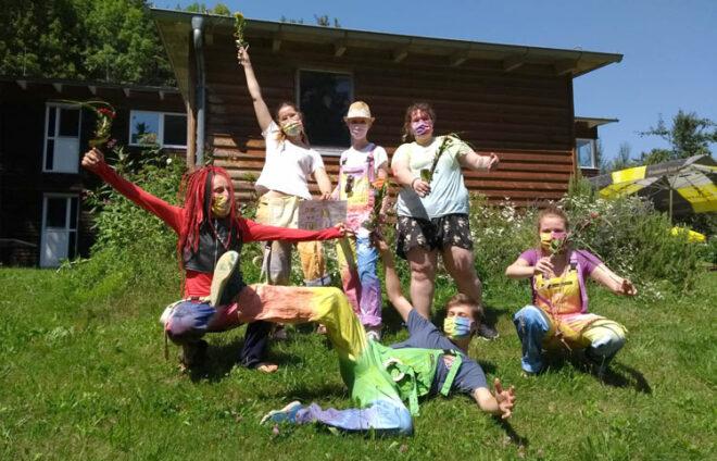 Gruppe junger Menschen von KJR Augsburg