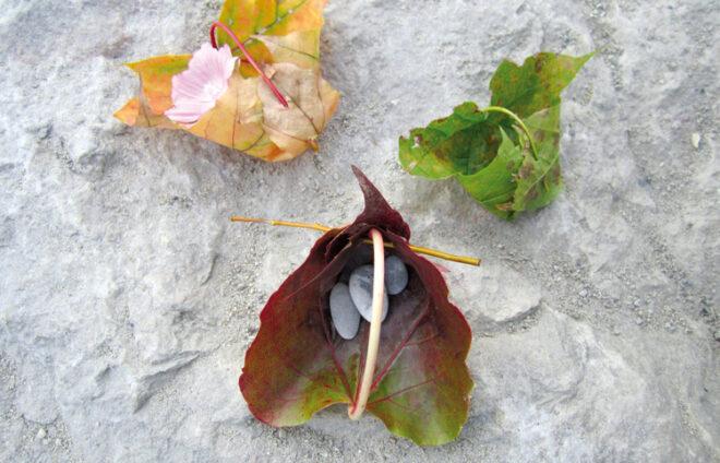Boote aus Blättern