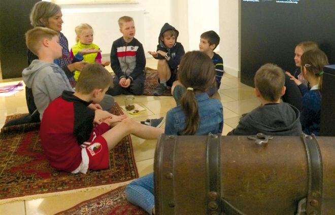 Kindergruppe im Fuggermuseum