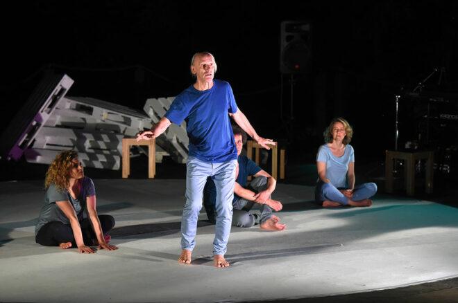 Eukitea Schauspieler proben für Rainbow Meditations